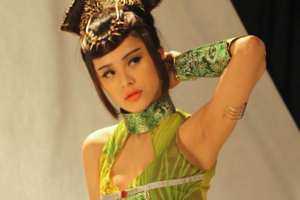 Ải Mỹ Nhân khoe hậu trường chụp ảnh cosplay 3