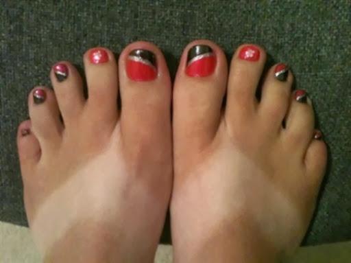 hot pink  black diagonal french toes