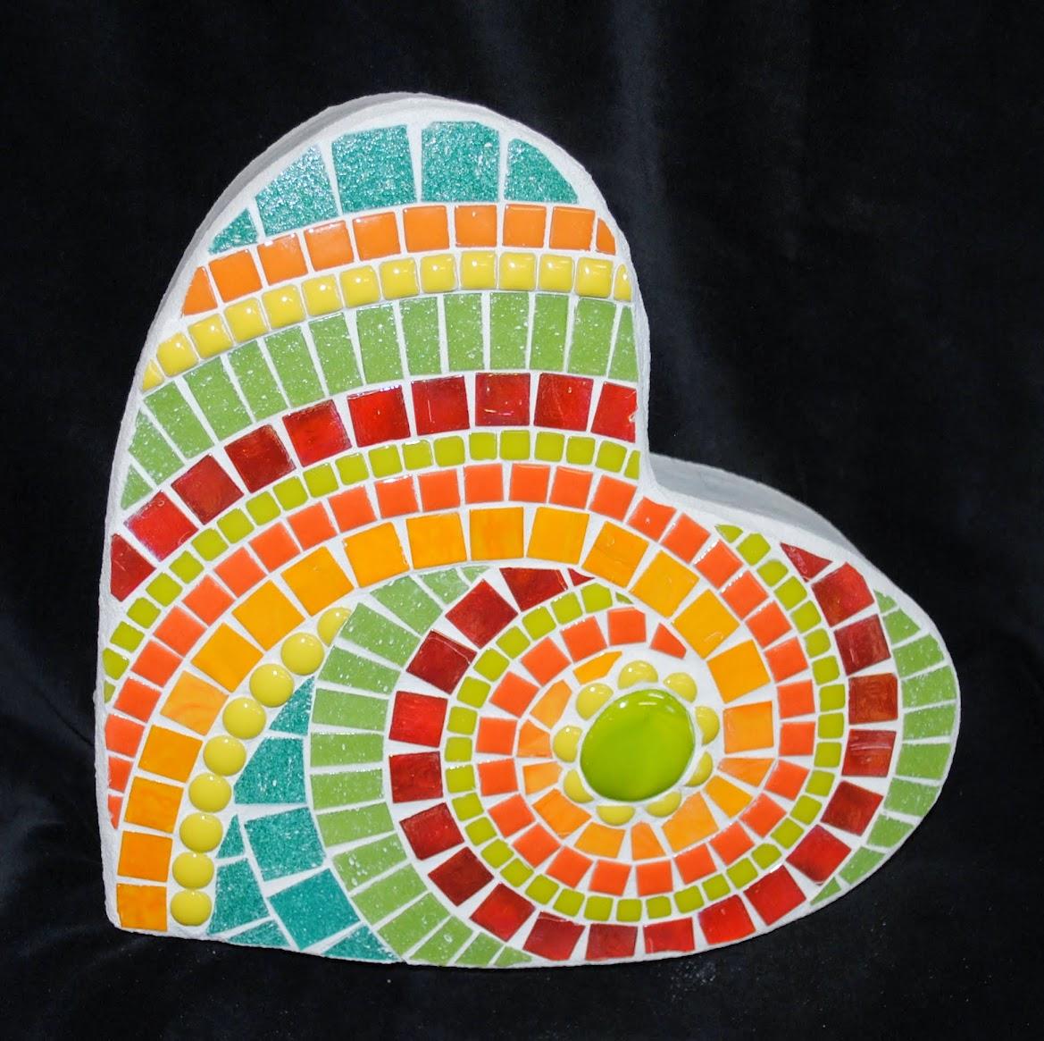 Key Lime Small Mosaic Heart Stepping Stone MOO5053