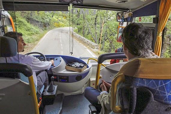 Un autobús para recorrer el Parque Nacional de la Sierra de Guadarrama