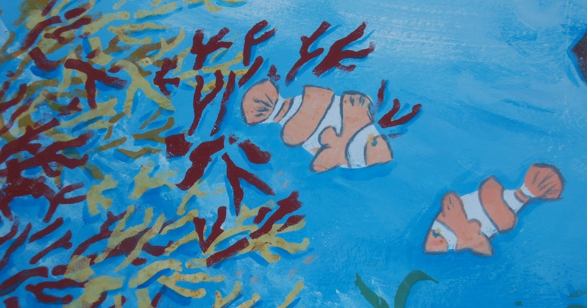 FattodaGio: Un acquario con Stencil nel bagno