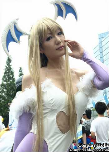 darkstalkers cosplay - morrigan aensland 02 from comiket 2010
