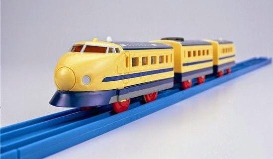 Đồ chơi tàu hỏa S-12 Doctor Yellow mô phỏng giống với thực tế