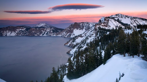 Sunset at Crater Lake National Park, Oregon.jpg