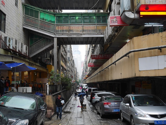 an alley near Huangqiangbei