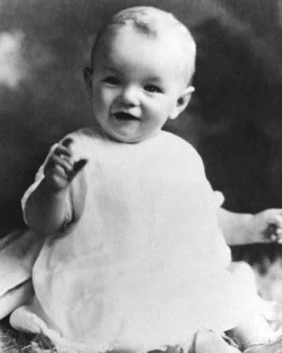 Norma Jeane Baker de bebé