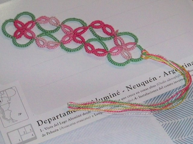 split rings tatted bookmark