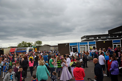 01-06-2013 - By Scott Campbell (+44) 0774 296 870 - Condorrat Gala Day, 2013, at St. Helen's Primary School; Picture shows crowds assemblied at St Helen's Primary School.