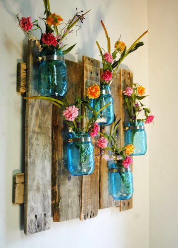 Blue mason jar wall hanging, pineknobsandcrickets.etsy.com. Blue mason jar