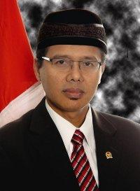 islam edia gubernur sumbar prof irwan prayitno selasa 1 maret 2011