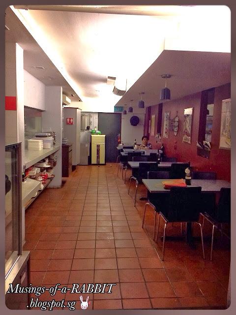 Joan Bowen Café, Macpherson