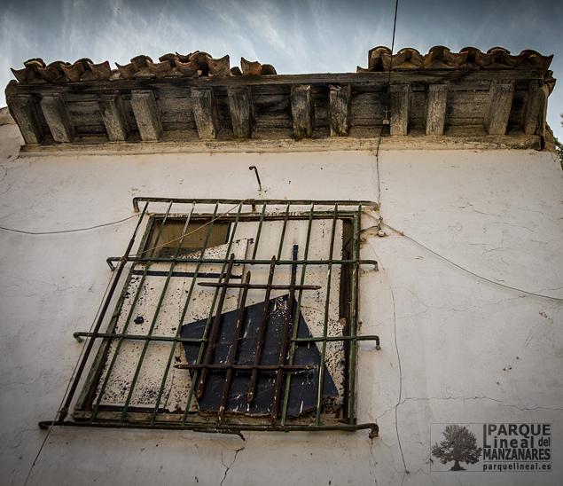 Detalle ventana y enrejado casa Gózquez de Abajo