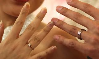 https://lh6.googleusercontent.com/-QsMbFWEvK7c/TlnPmOL4BII/AAAAAAAAAM8/8AYuP3HOgUI/s288/menikah.jpg