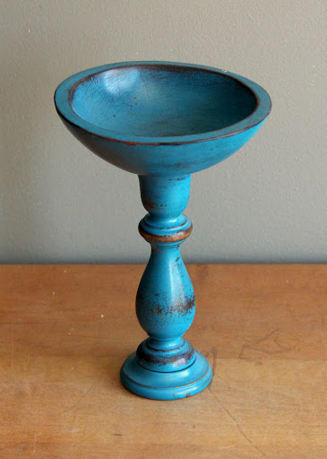 Blue wooden bowl available for rent from www.momentarilyyours.com, $3.00