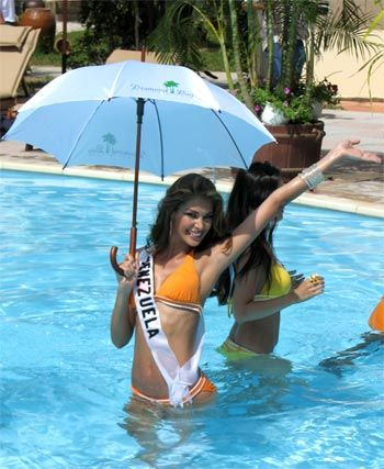 Miss Universe 2008 contestants show off bodies in bikinis part 4(21):bikini girl,picasa,women