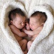 К чему снятся мальчики близнецы?