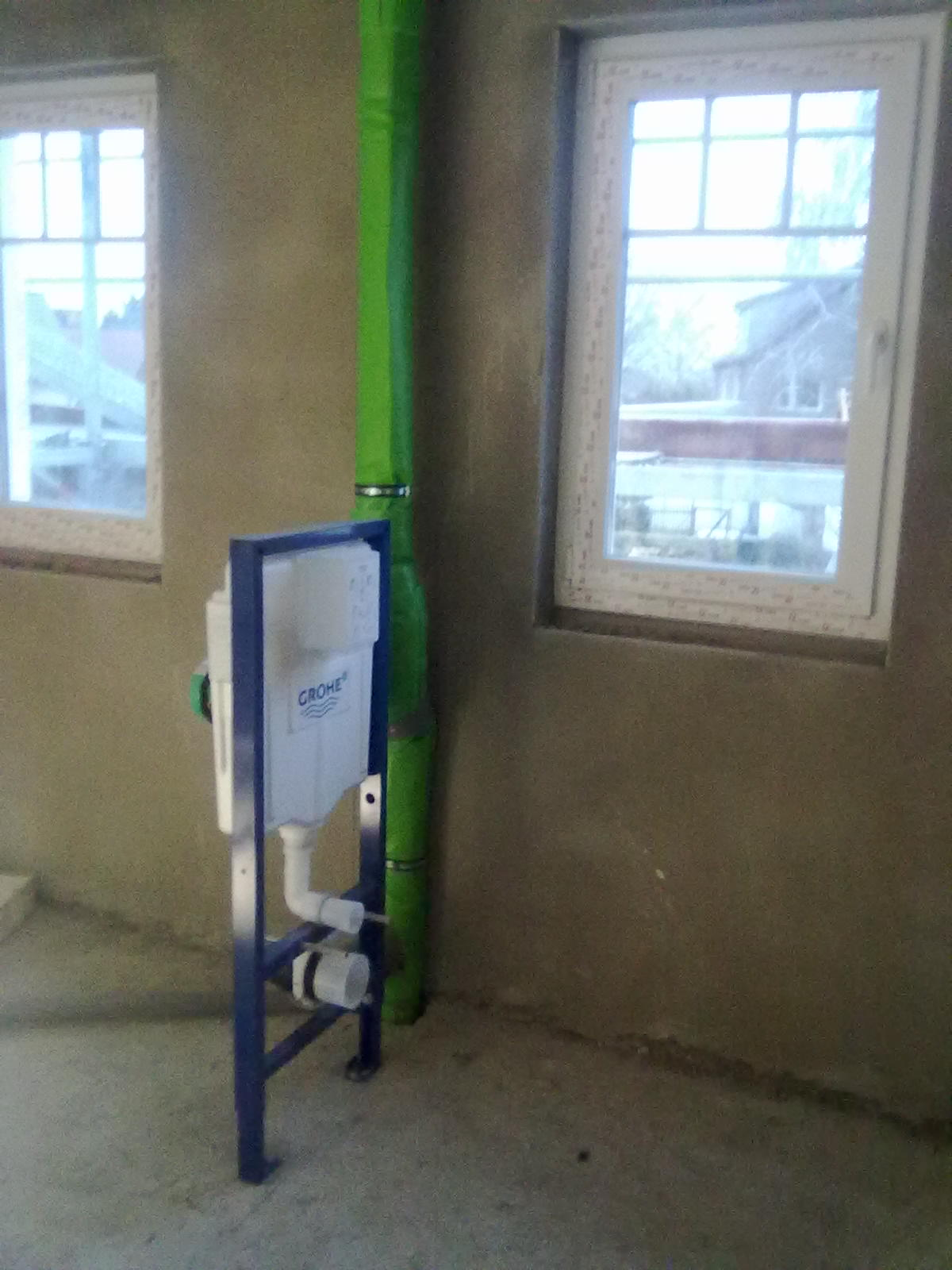 wir bauen ein haus januar februar 2011 sanit r fu bodenheizung solarkollektoren. Black Bedroom Furniture Sets. Home Design Ideas