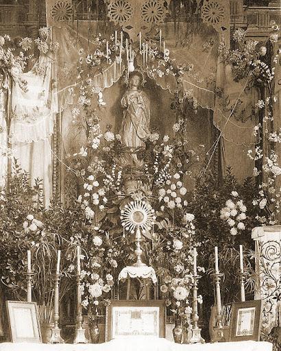 Altar Inmaculada 1928, detrás el maravilloso retablo destruido en la Gerra Civil