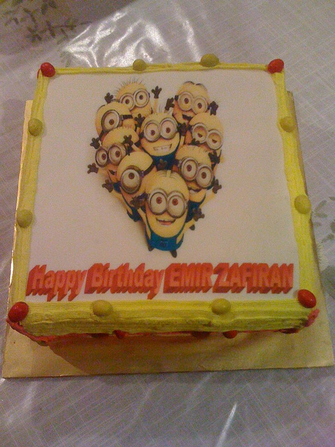 Indespicable ME Edible Image cake