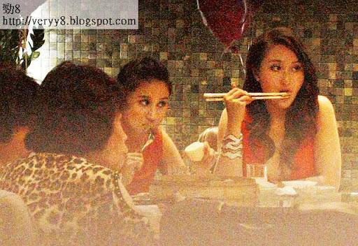 狂隊 <br><br>兩姊妹互推完,即坐回主家席食飯,各有各隊餸菜。