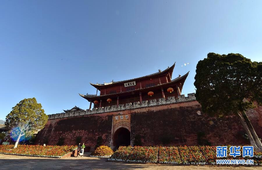 East Asia: 600-year-old tower destroyed by fire in Yunnan