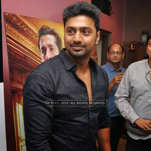 Dev during the premiere of bengali film Bindaas at Navina in Kolkata.