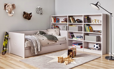 dormitorio juvenil sencillo con cama nido con brazos trasera a modo de a medida