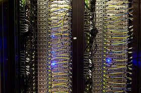 6 Mengintai Ruang Server Facebook