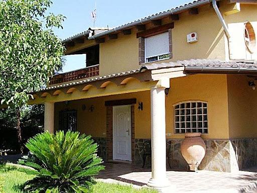 Alquiler vacaciones de casa en godelleta urbanizacion los mirasoles - Casa con piscina alquiler verano ...