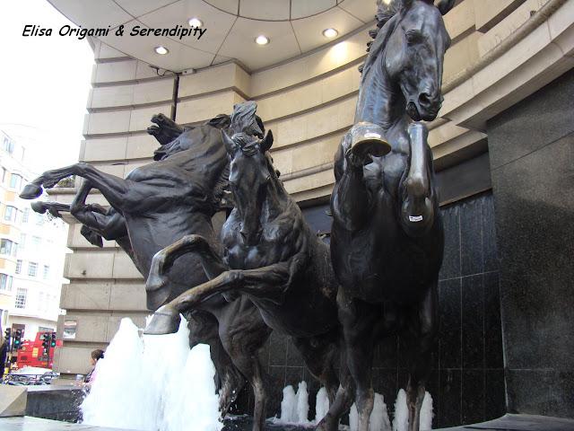 Eros, Piccadilly Circus, London, Londres, Elisa N, Blog de Viajes, Lifestyle, Travel
