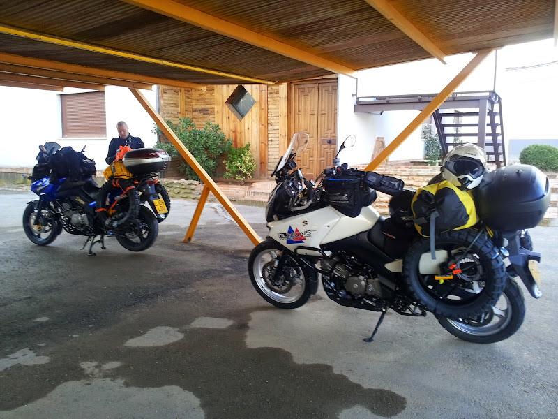 Santa Crus motel parking