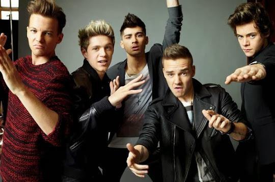 One Direction posando divertidos