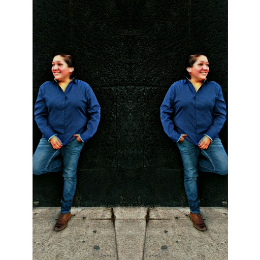 Andrea Julio Photo 4