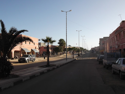 Marrocos e Mauritãnia a Queimar Pneu e Gasolina - Página 9 DSCF1030
