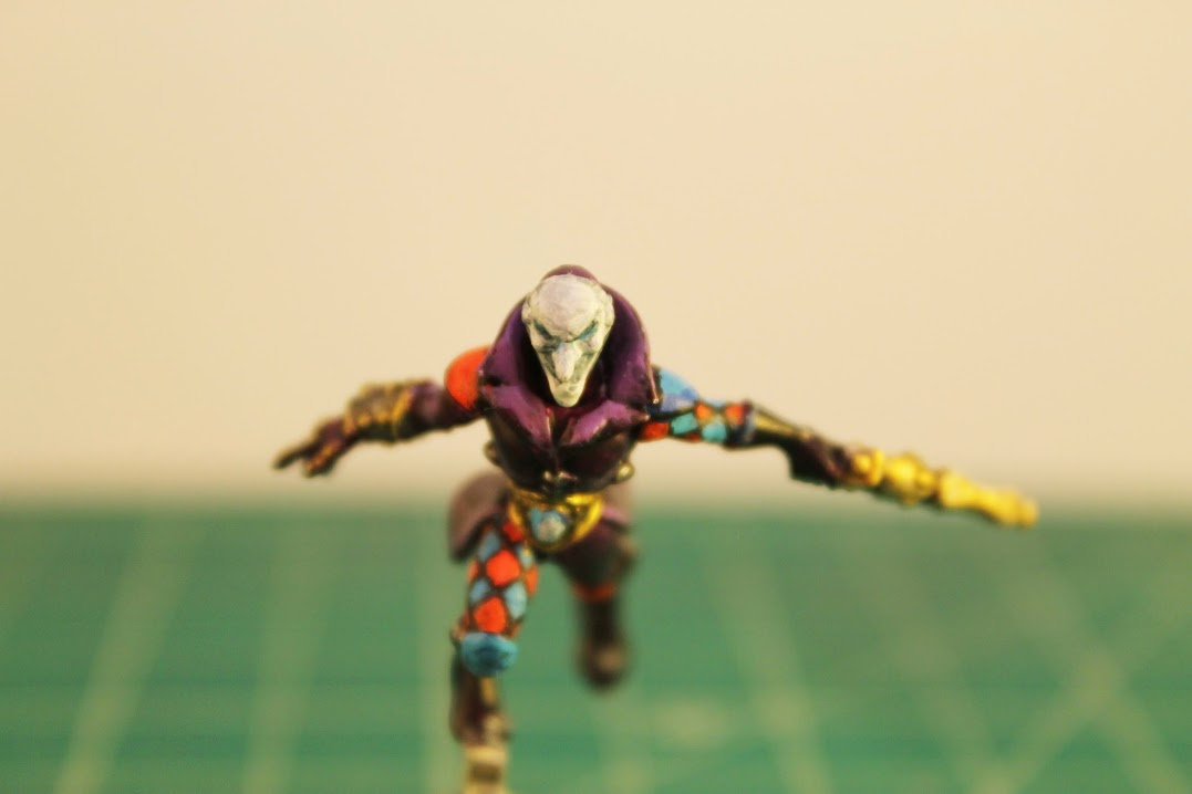 Harlequin Troupe Master, close front