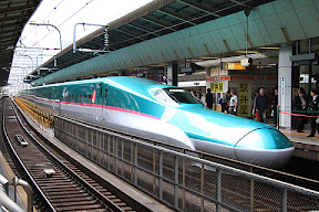 JR東日本 E5系新幹線「はやぶさ」