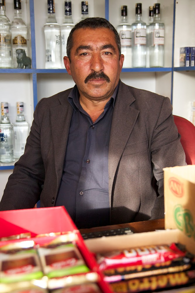 shop owner in Boğazköy
