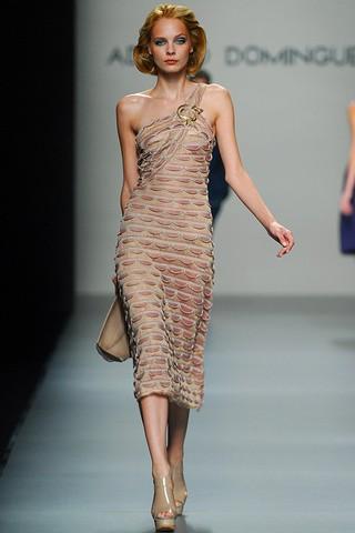 Vestidos de fiesta imagenes de vestidos adolfo dom nguez for Adolfo dominguez costura