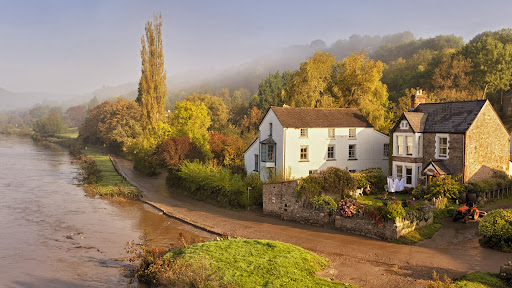 Brockweir, River Wye, Forest of Dean, Gloucestershire, England.jpg