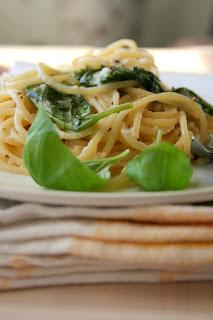 Spaghetti z cytryną i bazylią