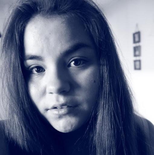 Vanessa Henriquez Photo 20