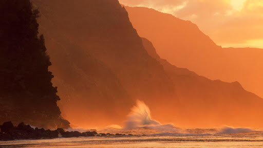 Incoming Tide, NaPali Coast, Kauai.jpg
