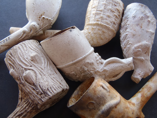 Decorative Clay Pipe : Group of victorian decorated clay pipe bowls ebay