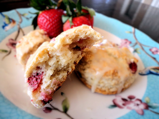 La Petite Brioche: Orange Glazed Strawberry Scones