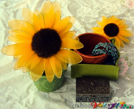 Làm hoa hướng dương bằng vải voan