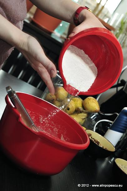 Razvan Anton - galbenusuri mixate cu zahar si faina