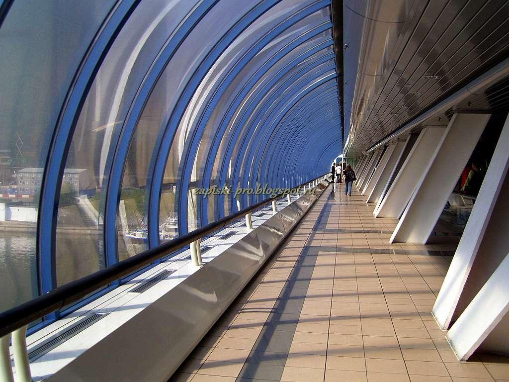 Москва-Сити фото торгово-пешеходный мост Багратион
