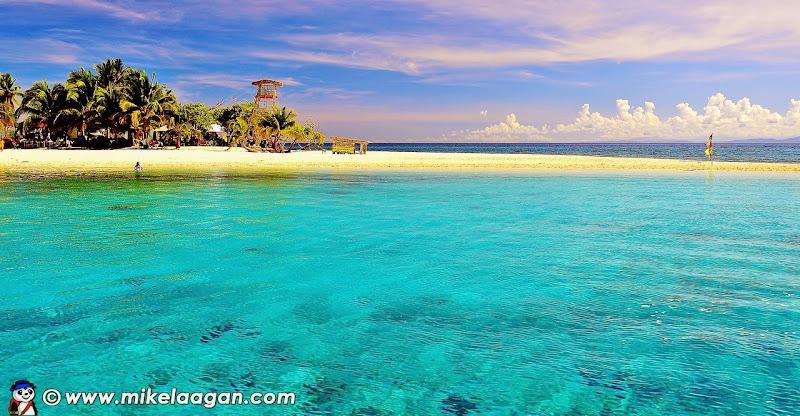 Approaching Calanggaman Island