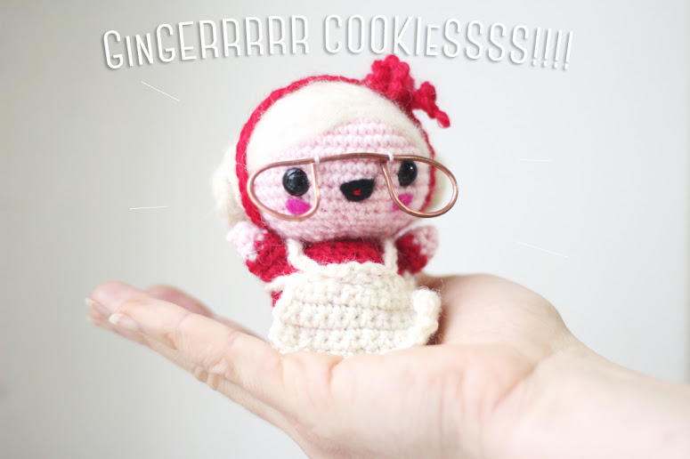 Christmas Amigurumi Mama Santa. A free pattern easy to follow with illustrative pictures. Easy to do amigurumi for Christmas!