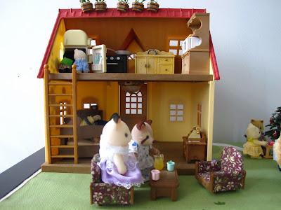 Mô phỏng ngôi nhà cho thỏ bông Sylavanian Families